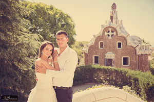 Park Guell wedding pictures Barcelona