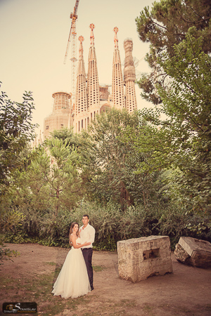 Sagrada Familia wedding photos Barcelona
