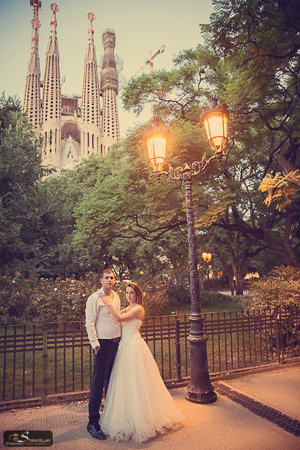Barcelona post wedding photo session