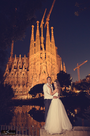 Barcelona trash the dress photo session