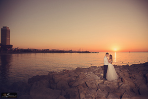 Pre wedding Barcelona beach