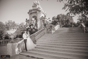Trash the dress photo session in Barcelona