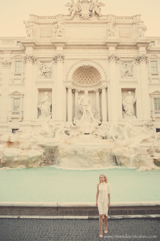 Photo Session Fontana di Trevi in Rome